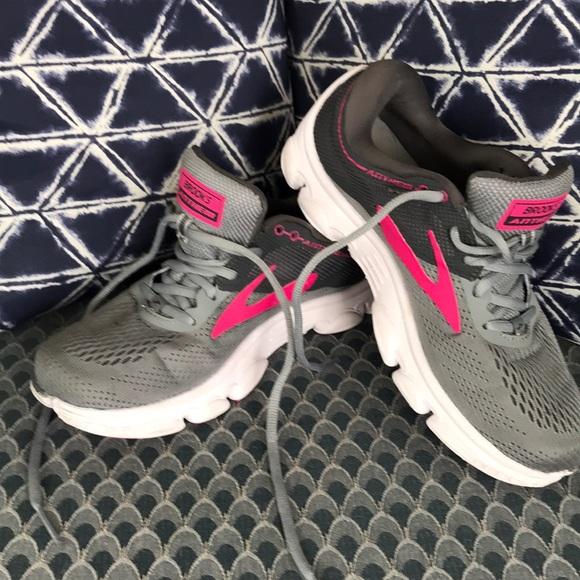 b7a961990b4e7 Brooks Shoes - Brooks Anthem Running Shoe